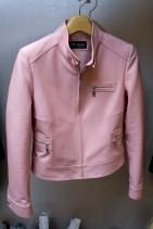 ピンクの皮ジャケット